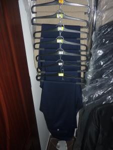spodnie slim , nogawki zwężane rożne rozmiary,  100 zł