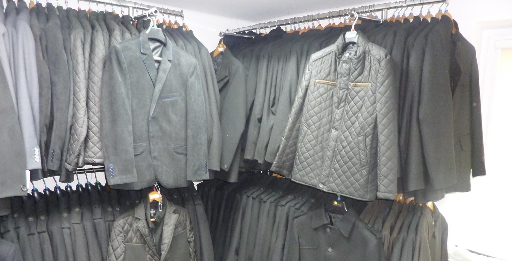 Kurtki wełniane slimowane i klasyczne, z kołnierzem, stójką